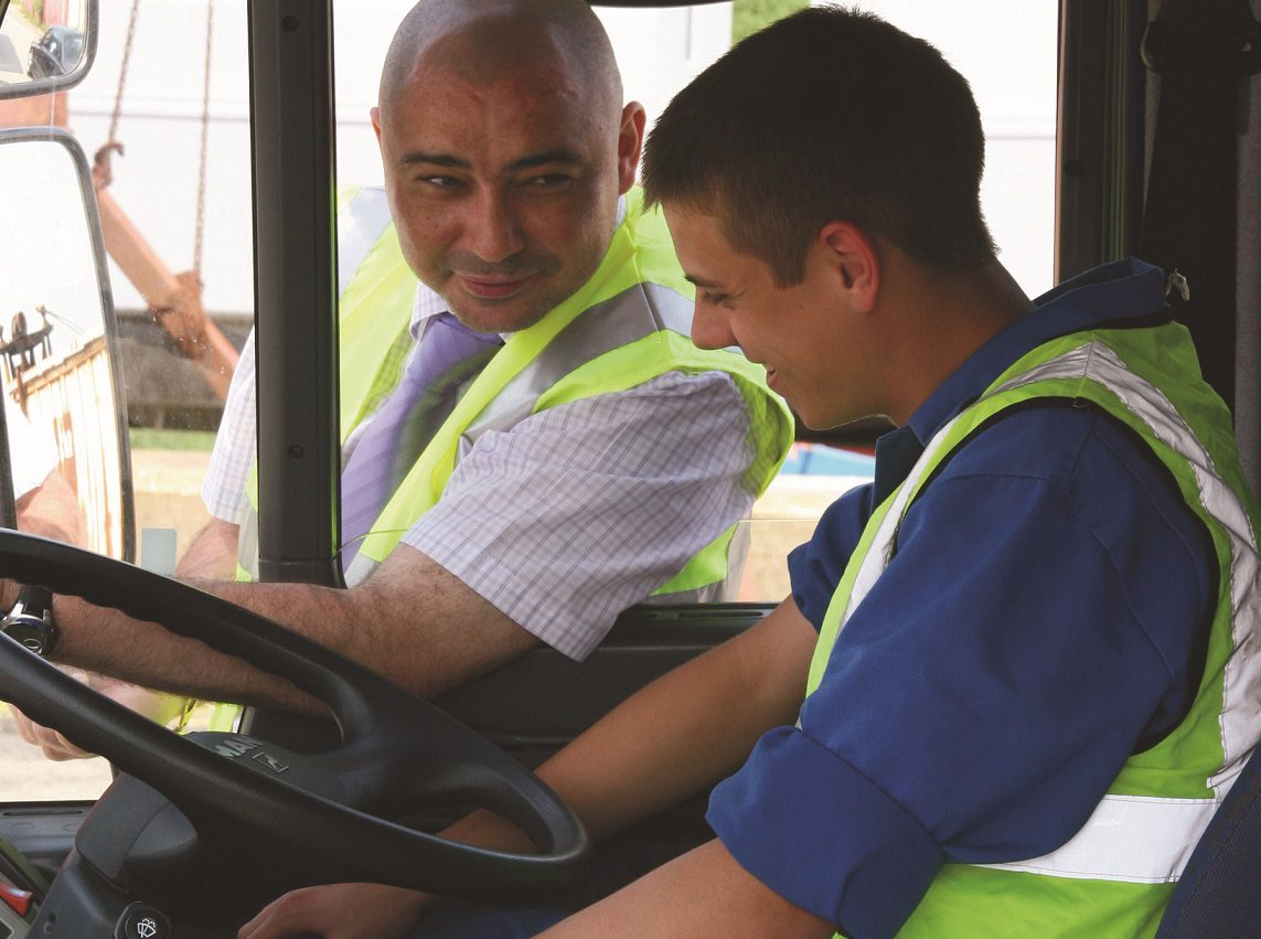 You are currently viewing LGV/HGV Apprenticeship: Five Things To Consider Before Applying